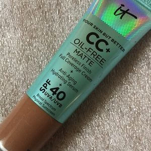"NEW IT Cosmetics ""Perfect Finish"" Oil-Free Matte"